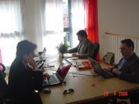 Simple_agency_team_800